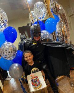 бэтмен на день рождении